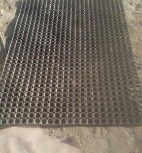 коврик резиновый грязезащитный с отверстиями