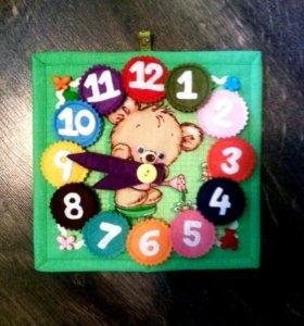 Развивающие игрушки. Часики из фетра.