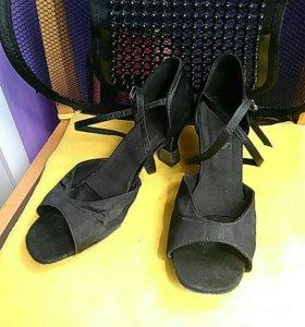 Бальные туфли(танцевальные)