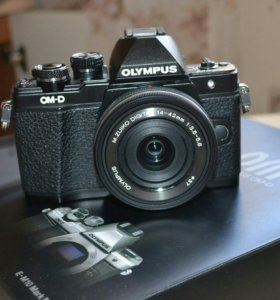 Olympus OM-D E-M10 Mark II + штатив
