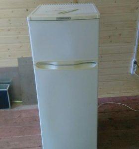 Холодильник двухкамерный Саратов 264