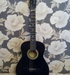 Гитара классическая чёрная с нейлоновыми струнами