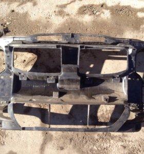 БМВ 3 передняя панель с 2005 г