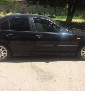 BMW 3 e46 : {2002 год }