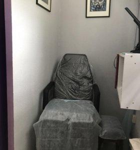 Сдаю кресло ,парикмахерское,маникюрное,педикюрное.