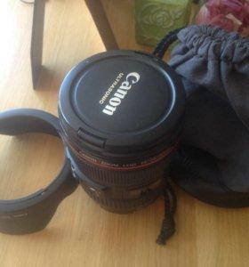 Canon zoom lens 24-105mm 1:4 L