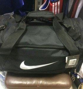 Спортивная сумка Nike Brazilia M