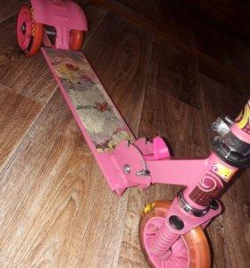 Детский трехколесный самокат Explore