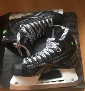 Новые коньки для хоккея с мячом Reebok Platinum