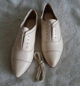Женские туфли Frye