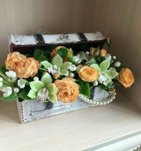 Сундук с цветами и жемчугом
