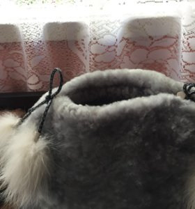 Зимняя шапка из цигейки.