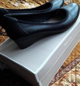 Туфли новые кожаные Tamaris р.38