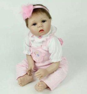 Кукла Реборн не смияна