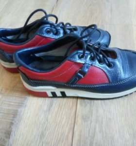 Детские кроссовки 29 размер