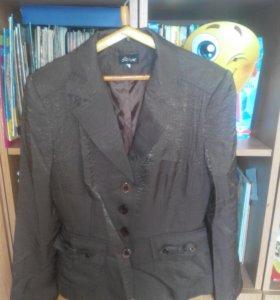 Шоколадный пиджак.46 размер.