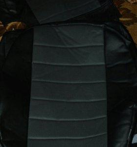 Комплект Чехлов из эко-кожи для рено сандеро