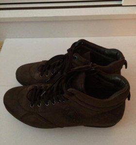 Обувь (кроссовки, ботинки) мужская демисезон