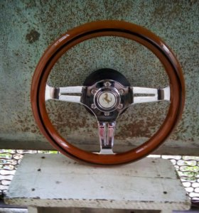 Шикарный олдскульный руль