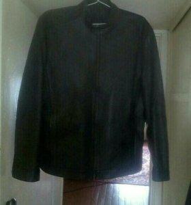 Продам коженную куртку новую