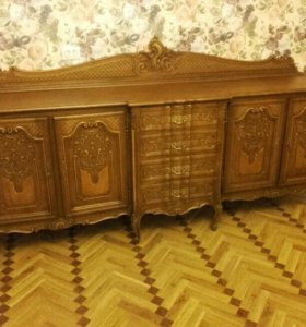Прекрасная мебель для зала.