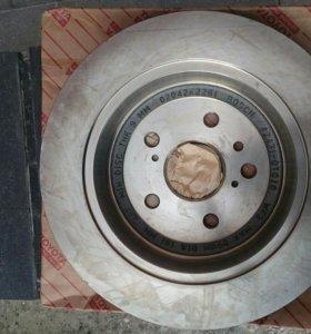 Диск тормозной задний (Toyota Venza) 424310T010