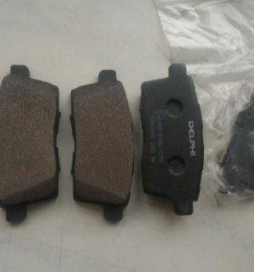 Колодки тормозные на Mazda CX7 , задние и передние