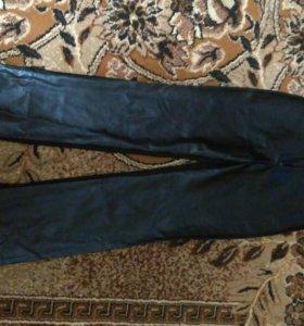 Новые брюки, размер 42.