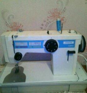 Швейная машинка Веритас Рубина