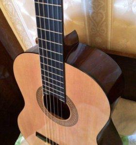 Классическая гитара+чехол