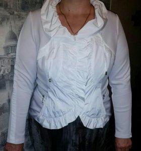 Пиджак женский,состояние нового.