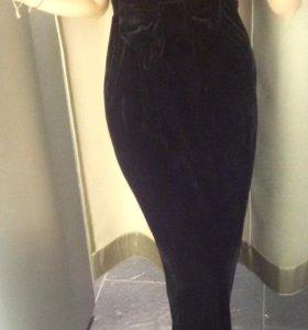 Платье черный бархат с пикантным бантом под грудью