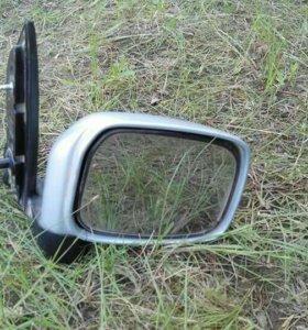 Продам зеркало правое от мицубиси