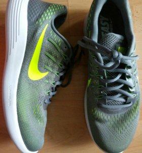Новые кроссовки Nike, 43
