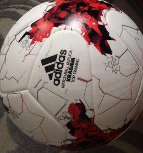 Оригинальный футбольный мяч Adidas