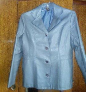 Кожаный пиджак.
