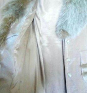 Пальто на пехоре