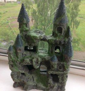 Замок и скала