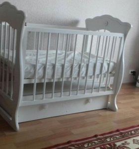 Деткая кровать