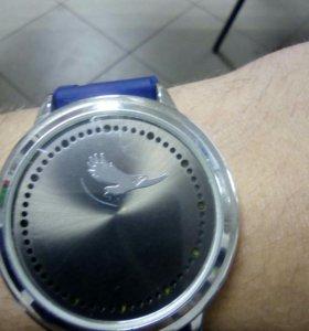 Часы сенсорные