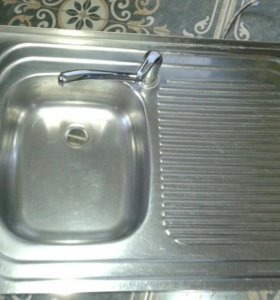 кухонная мойка.