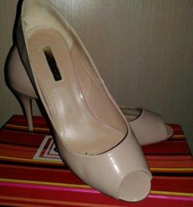 Туфли лакированные б/у 40 размер