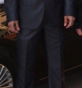 Продам муж.костюм пеплос в отл.состоянии