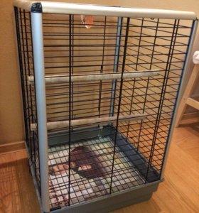 Клетка  прочная для коренастого попугая - вандала.