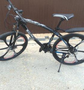 Велосипед BMW на литых дисках (чёрный) новый