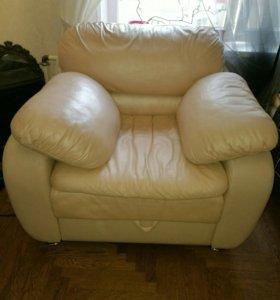 Натуральная кожа. Раскладное кресло!