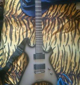 Продам гитару и пенефирию к ней