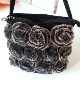 Замшевая сумочка с мехом