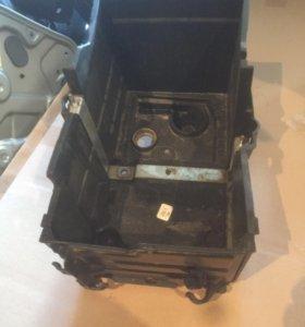 Корпус акб форд фокус 2 1.8-2.0 бензин