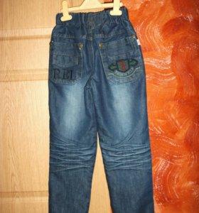 Джинсовые новые брюки 6-7 лет